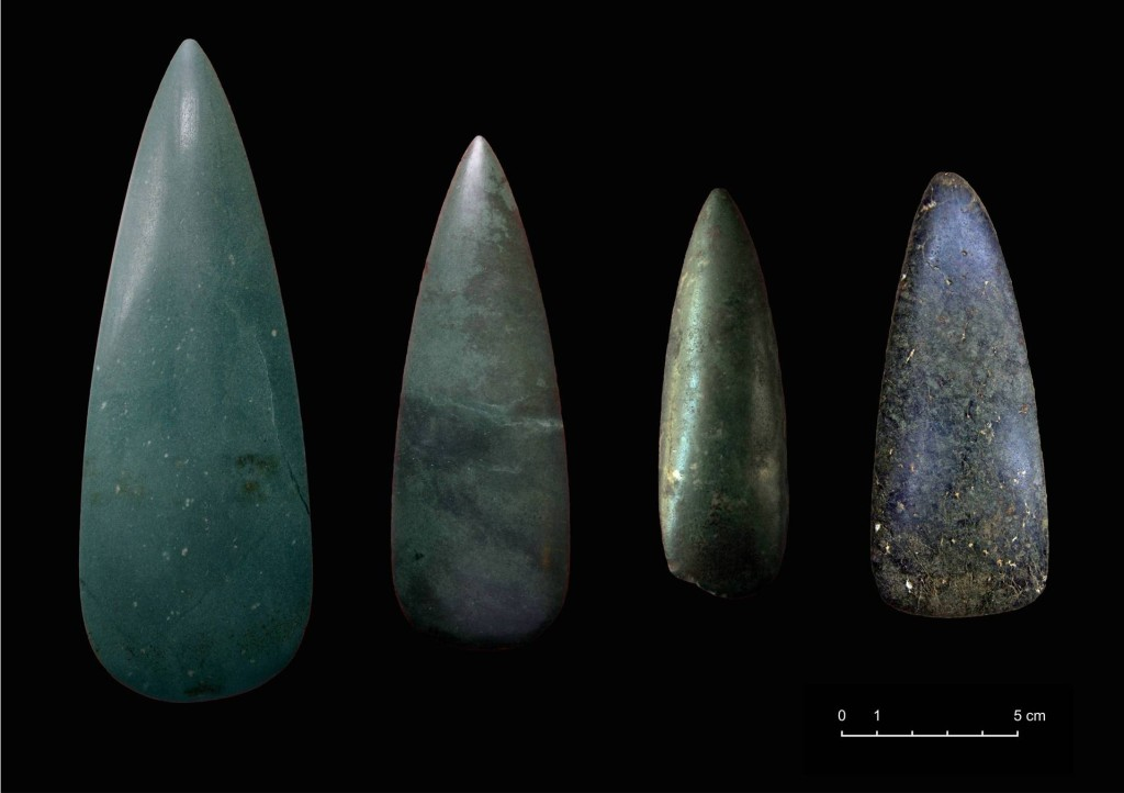 Hachas pulidas procedentes de Palencia; Diego Álvaro (Ávila); Bragança; Bóbila Padró (Barcelona)