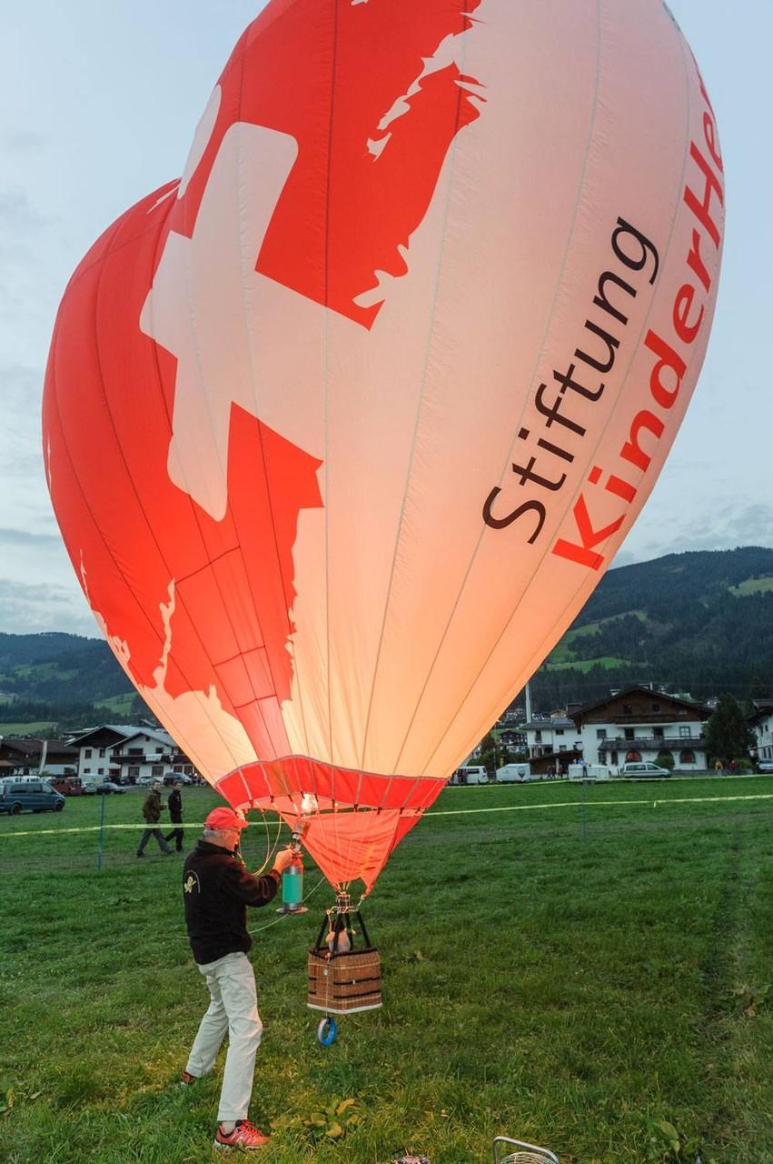 Jupp Hein und sein HERZ-STIFTUNG Ballon
