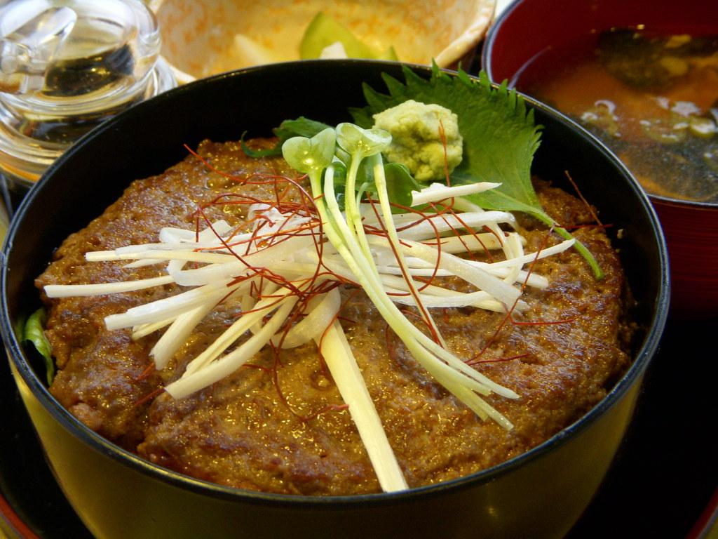 牛トロステーキ丼