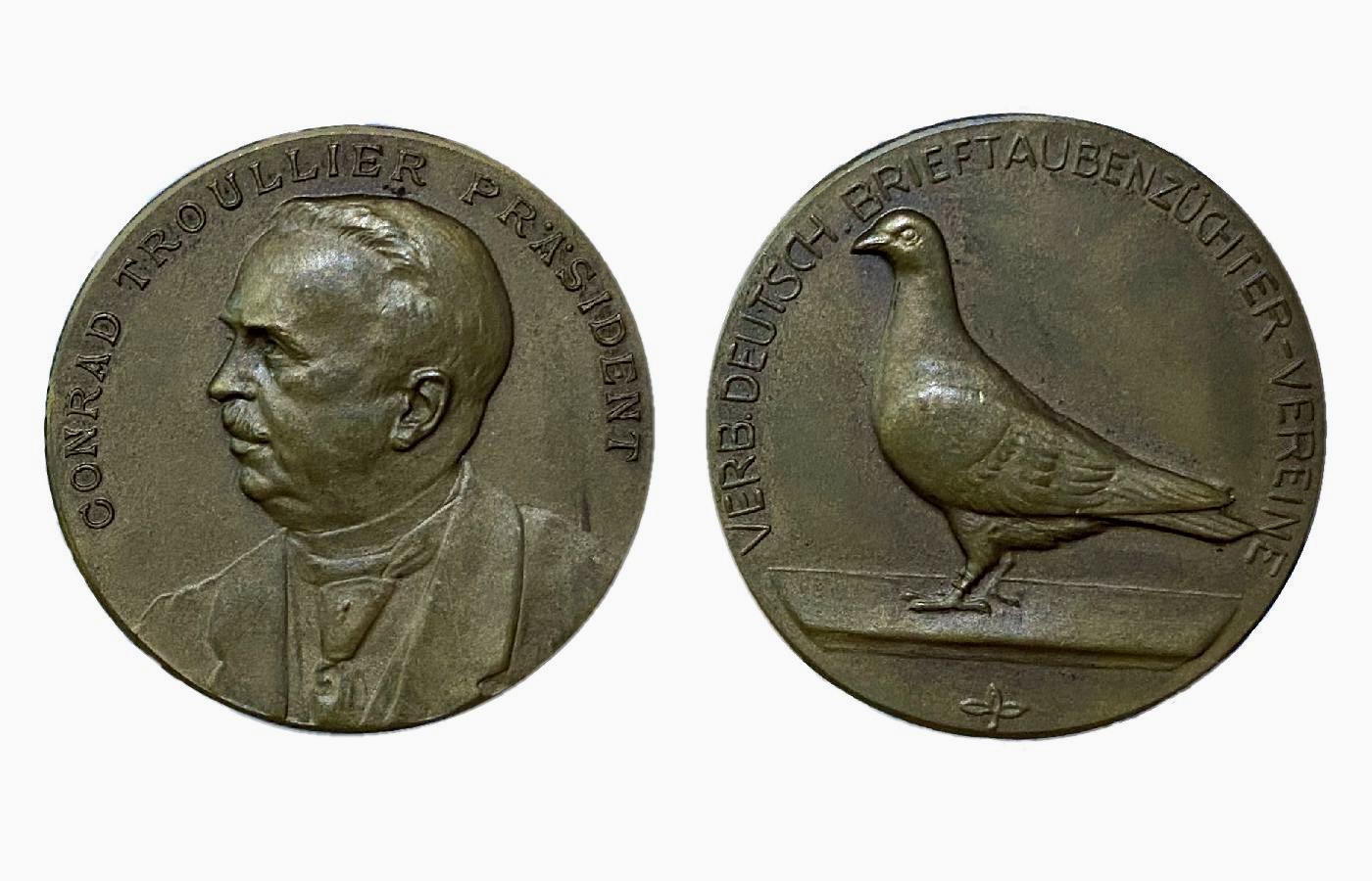 Medaille in Bronze mit Präsident Conrad Troullier