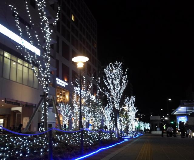 六本松駅前のクリスマスイルミネーション