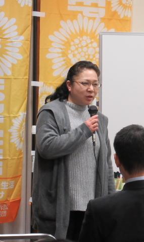大阪訴訟の状況を説明する児玉大阪原告団代表