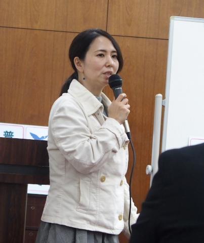 九州訴訟原告の母である梅本邦子さんも応援に駆けつけました。