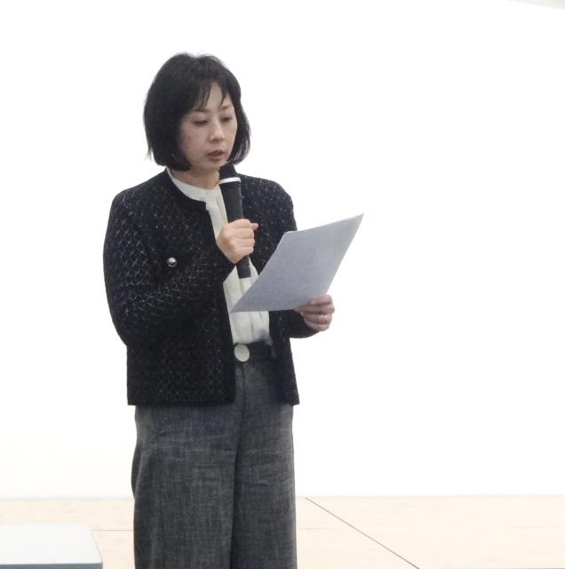 報告集会で、代読した九州24番さんの意見陳述の内容を解説する佐川民弁護士