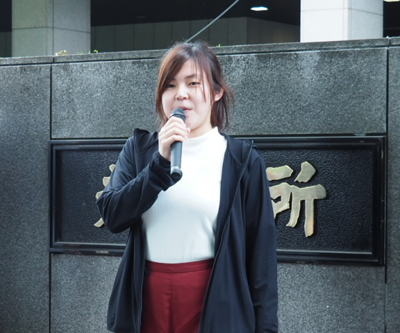 リレートークで発言する望月瑠菜さん(HPVワクチン薬害訴訟東京原告団副代表)