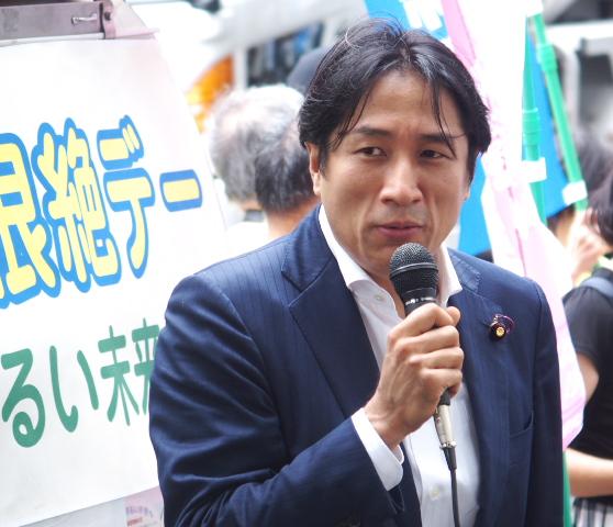 川田龍平参議院議員(立憲民主党・薬害エイズ訴訟原告)