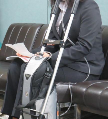 名古屋地裁司法記者クラブで症状を説明する名古屋原告14番の女性(2018/06/14)