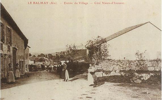Le Balmay: Rue des écoles, face rue de la gare
