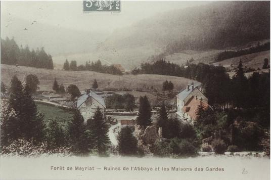 Meyriat: Ruines de l'abbaye et maisons des gardes