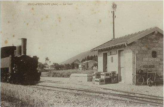 Vieu d'Izenave: Gare du tram (existe toujours sur propriété Hérady)