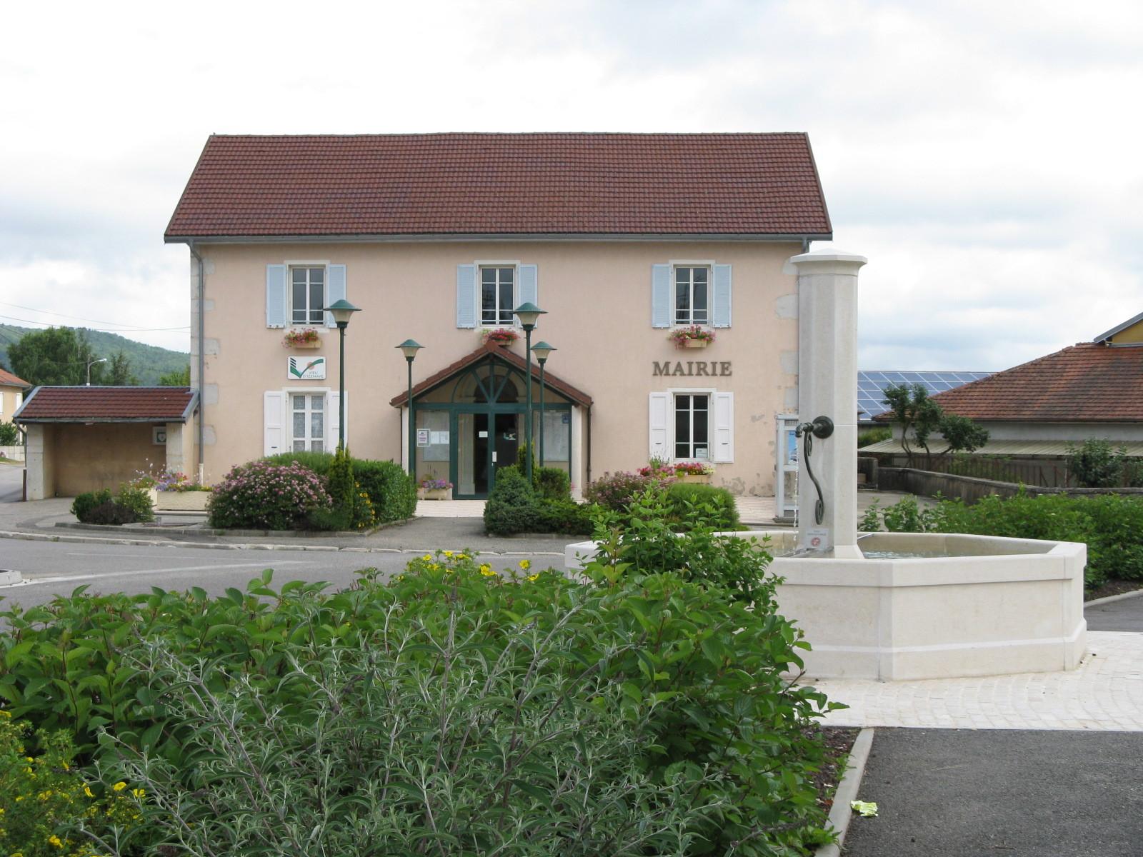 Mairie et sa fontaine