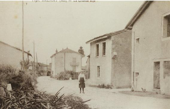 Le Balmay: rue de la poste