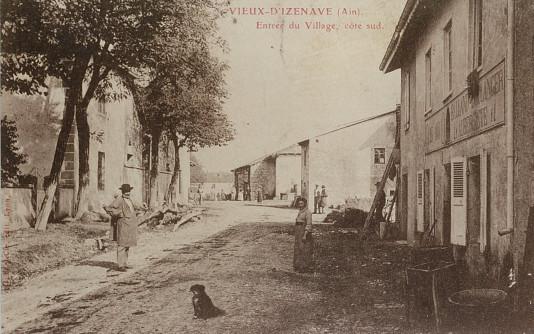 "Vieu d'Izenave: Grande rue. Maison à droite: Café ""O 20 100 O"" emplacement Jean-Paul Collard"