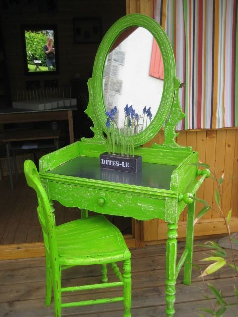 table de toilette 185 €