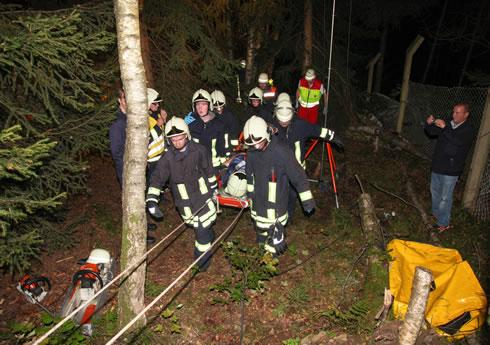 © Blaulichtreporter Erzgebirge, Übung Hilfeleistung eingeklemmter Waldarbeiter