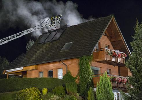 © Blaulichtreporter Erzgebirge, Dachstuhlbrand Höhenblick Schneeberg
