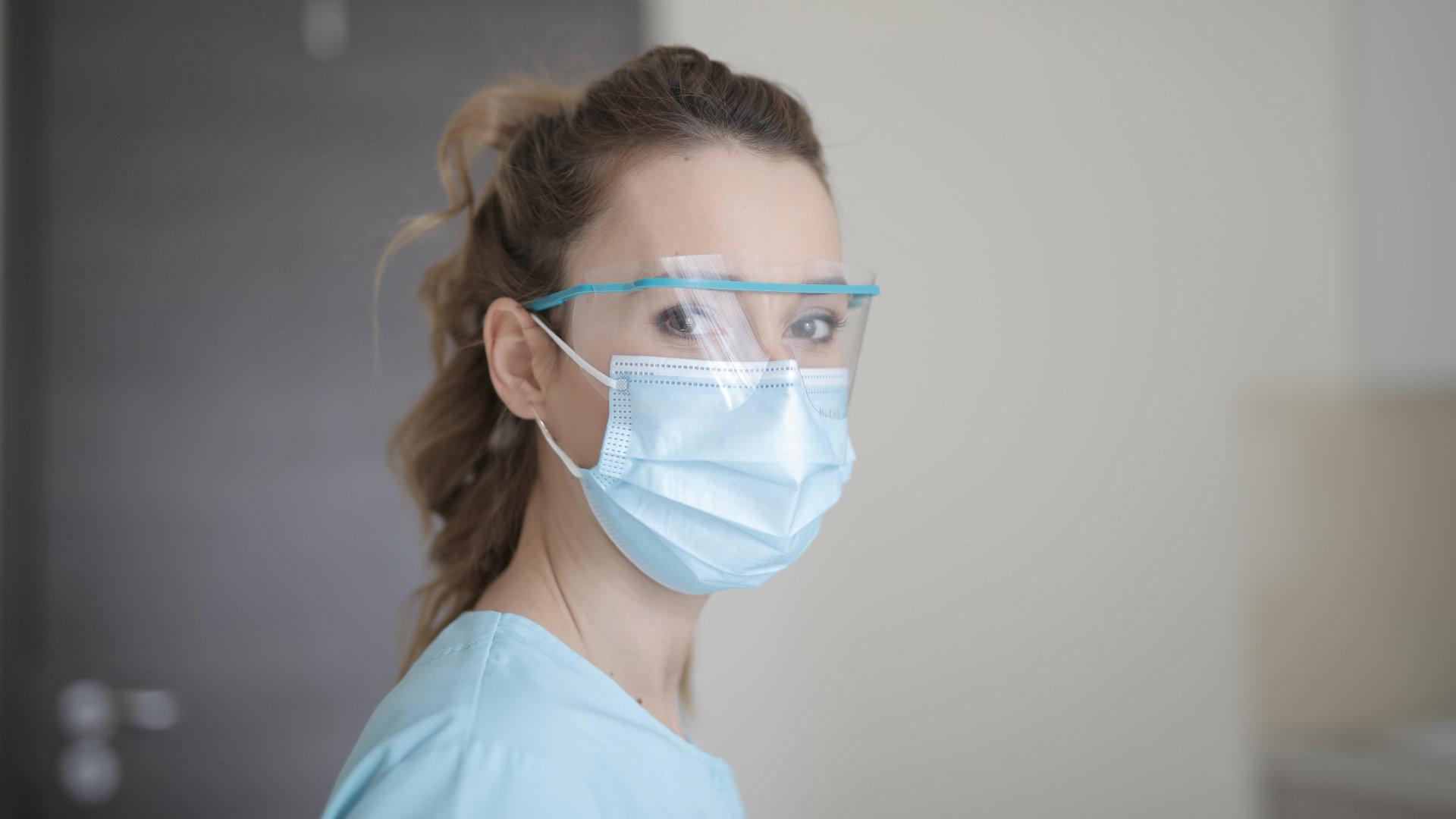 Pflege in Zeiten der Pandemie – gestern geklatscht, heute gewatscht?