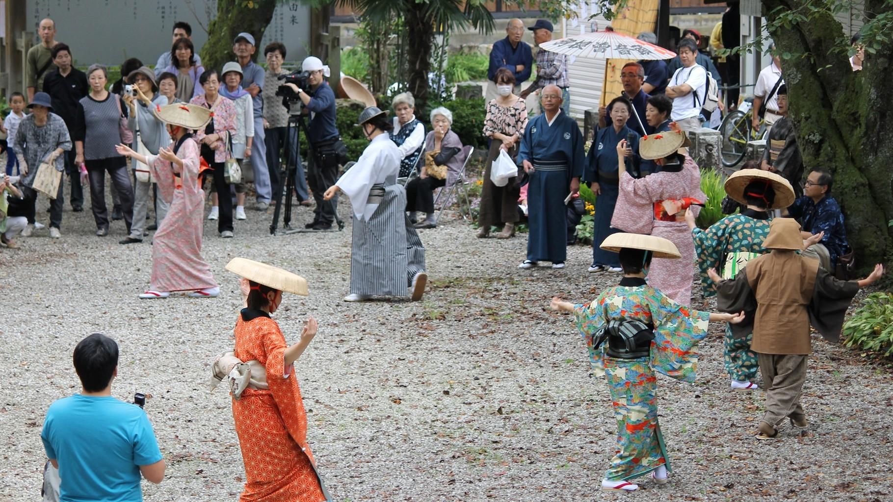 宿場町の雰囲気をより味わえる 福井県無形文化財 羽根曽踊り