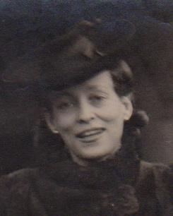 Julie en 1945