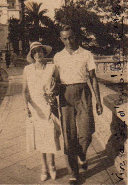 Julie met vriend Alain in Monte Carlo (1925)