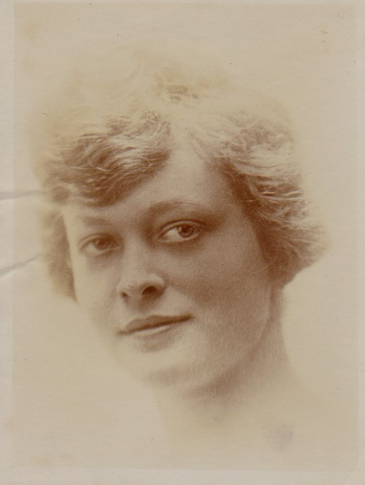 Julie in 1917