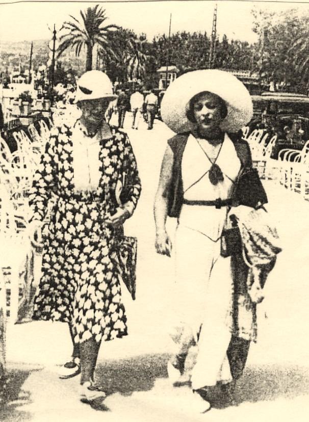 Julie avec maman à Nice (1924)