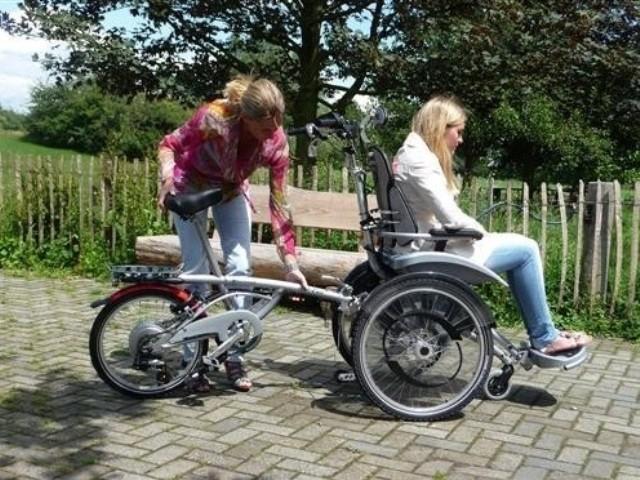 Rollfiets: Ein Rollstuhlfahrrad für Erwachsene