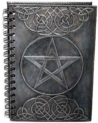 Dijes, Amuletos y Talismanes, cargados con magia, brujería y hechicería poderosa e infalible
