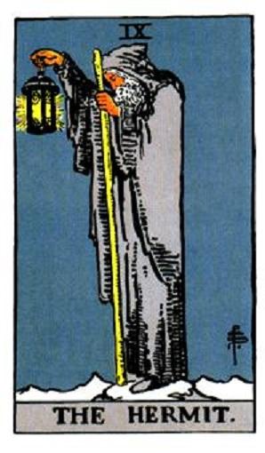 El ermitaño número en la baraja de Tarot, interpretación