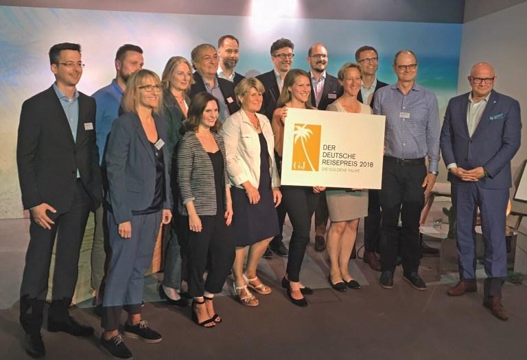 Das Costa Deutschland Team mit der ,,goldenen Palme''