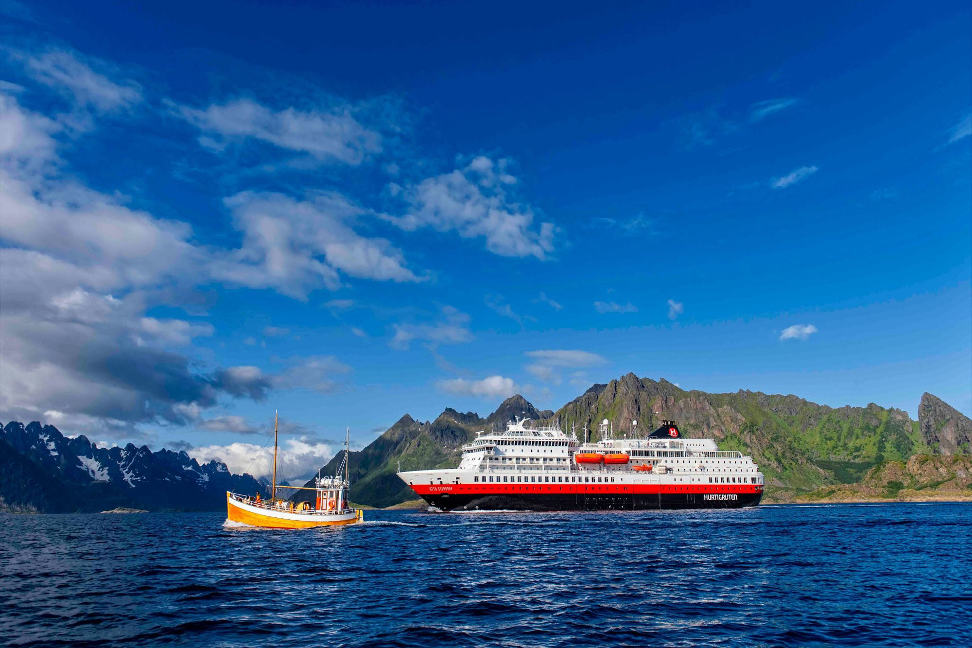 Hurtigruten Expeditions mit MS Otto Sverdrup ab Hamburg in den Betrieb gestartet