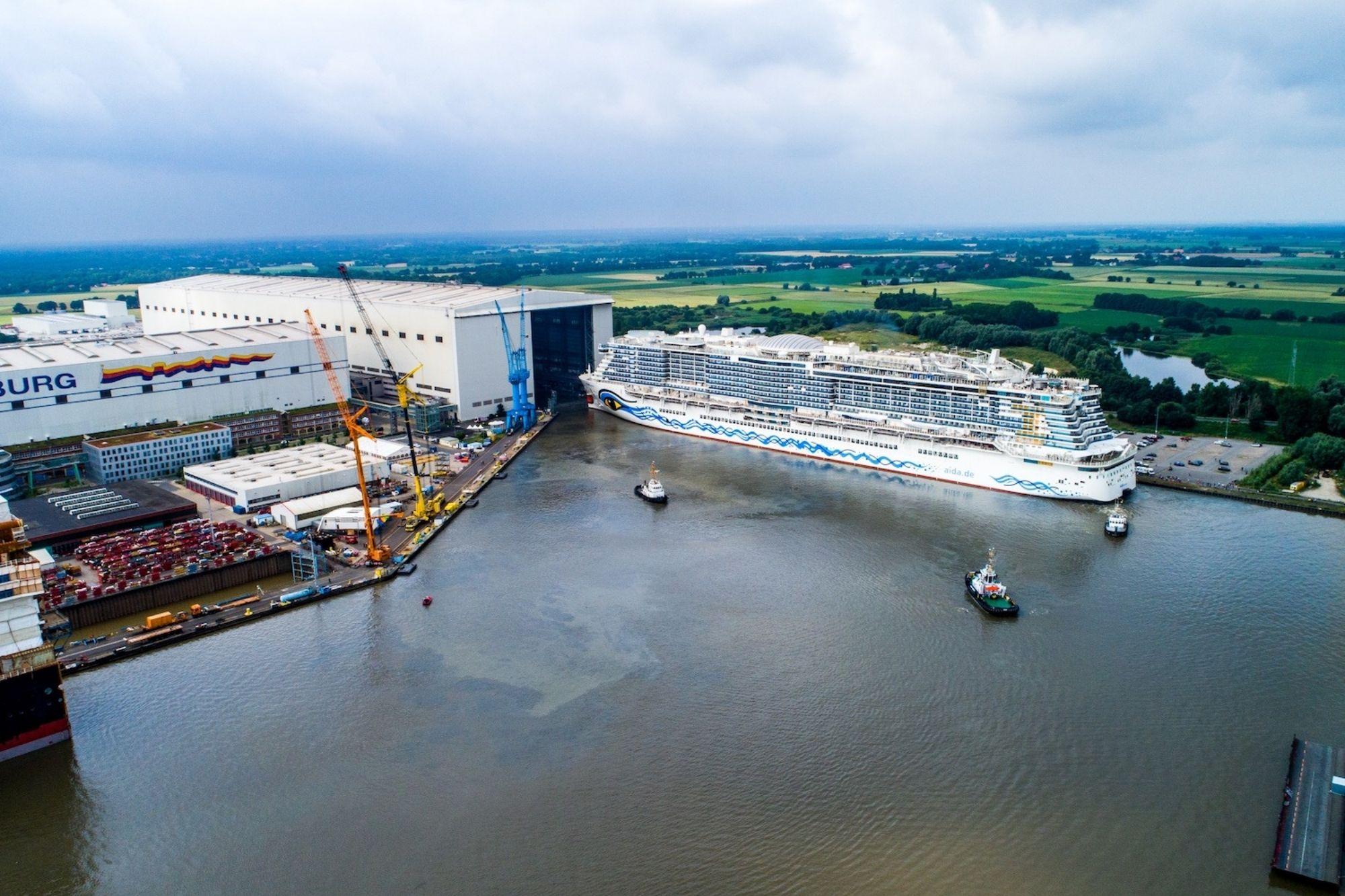 AIDAcosma verlässt Baudock der Meyer Werft