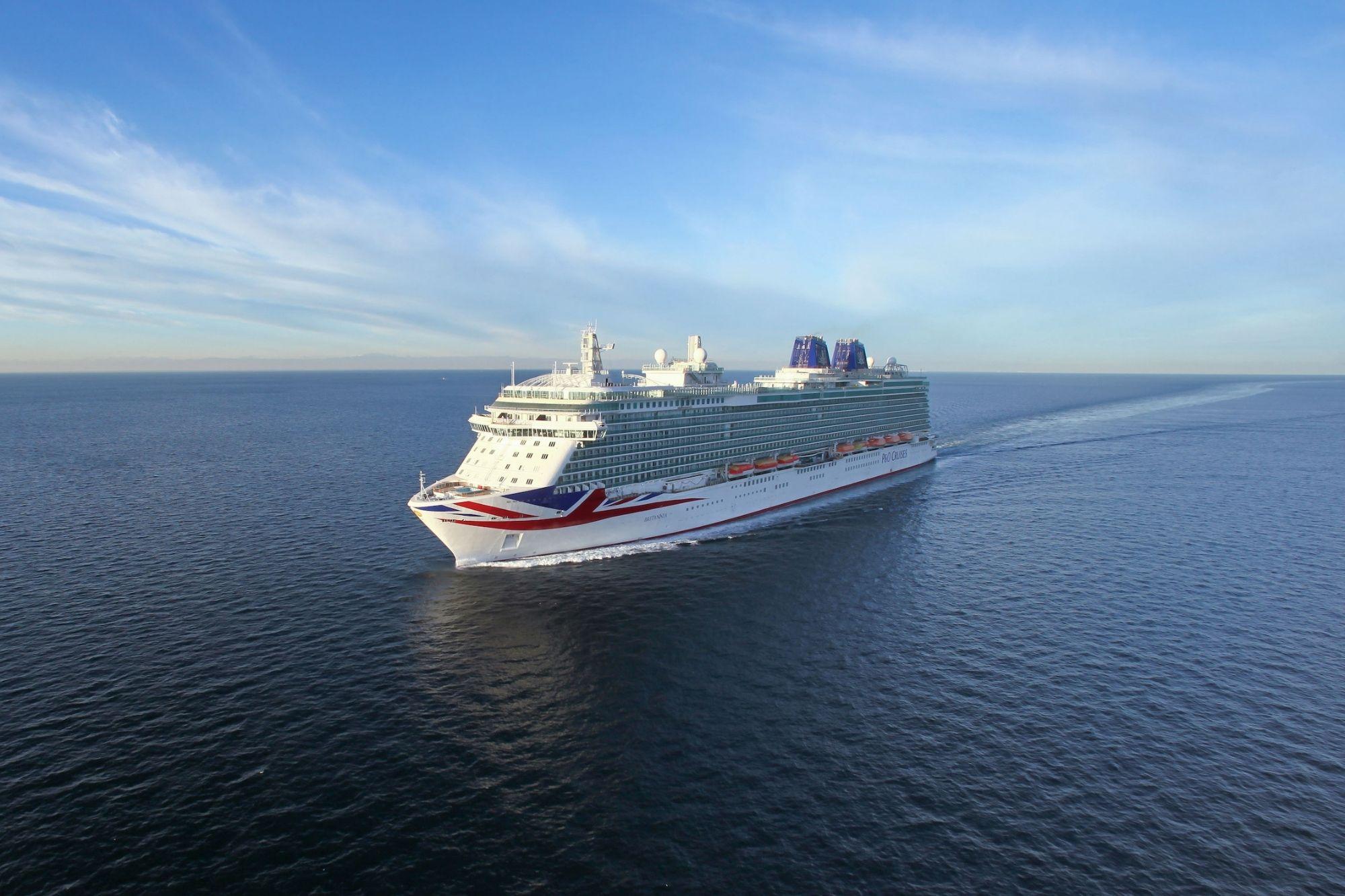 P&O Cruises zur ersten Kreuzfahrt seit Pandemiebeginn gestartet