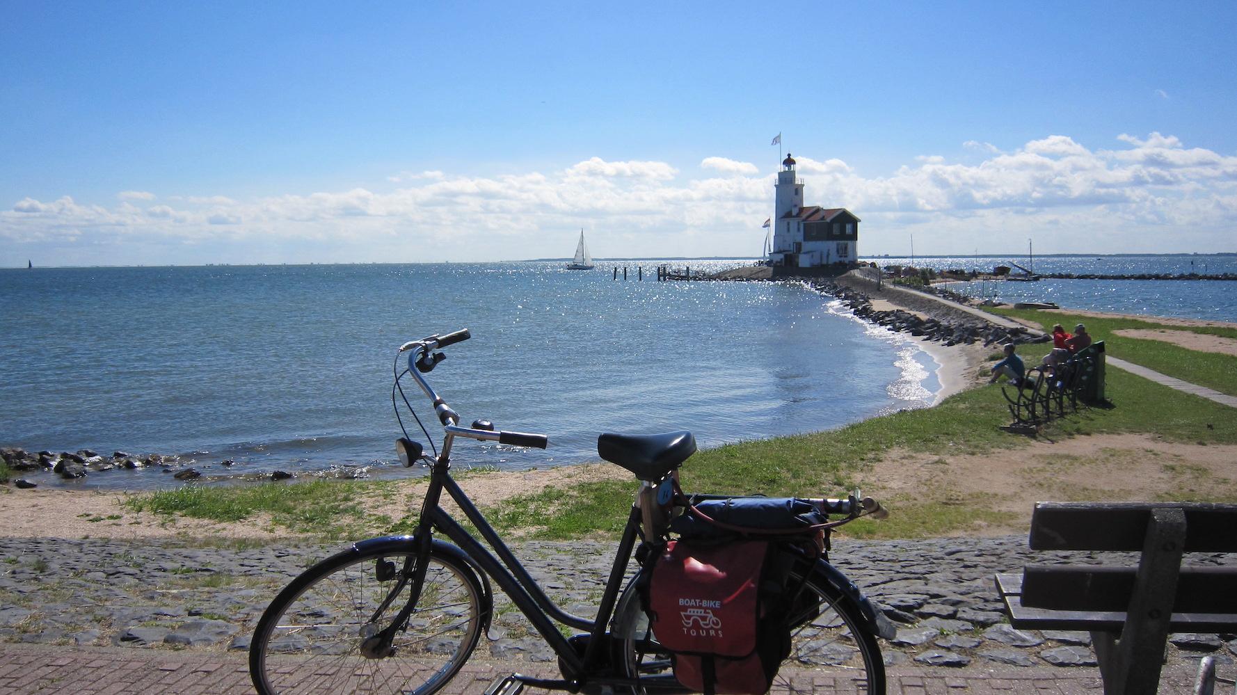 Boat Bike Tours Fahrrad am Wasser