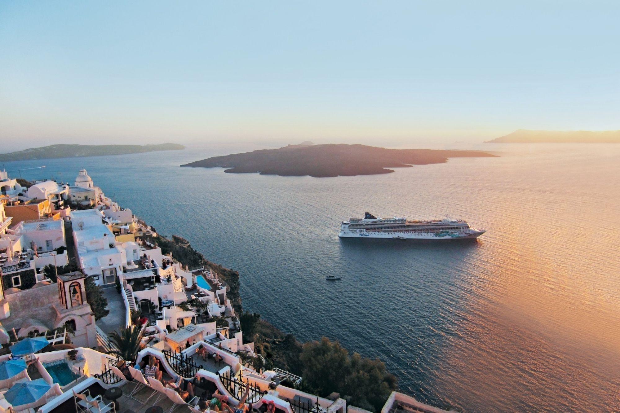 Norwegian Cruise Line zur ersten Kreuzfahrt seit Pandemiebeginn gestartet