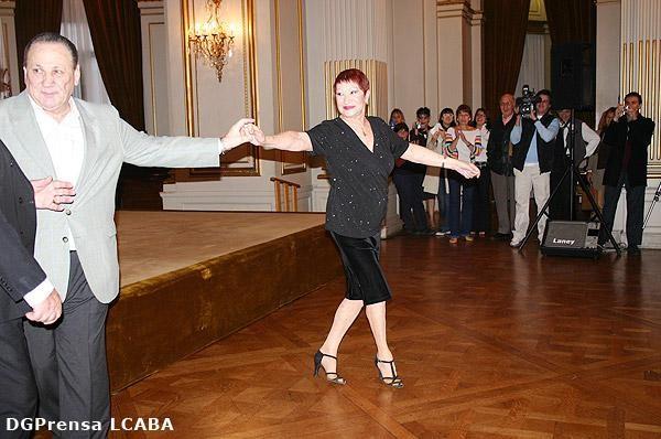MARIA NIEVES, CIUDADANA ILUSTRE Y YO, SALON DORADO LEG.