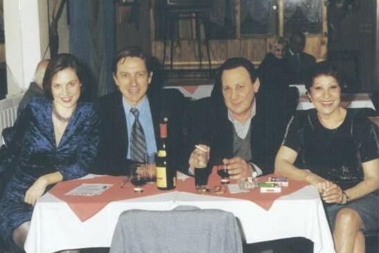 MARIA NIEVES, NICOLE, RICARDO Y YO, EN SIN RUMBO