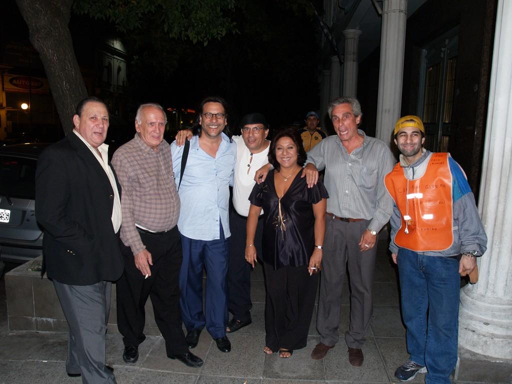JORGE MANGANELLI, TETE RUSCONI, CARLOS BORQUES, GRACIELA GONZALEZ Y AMIGOS