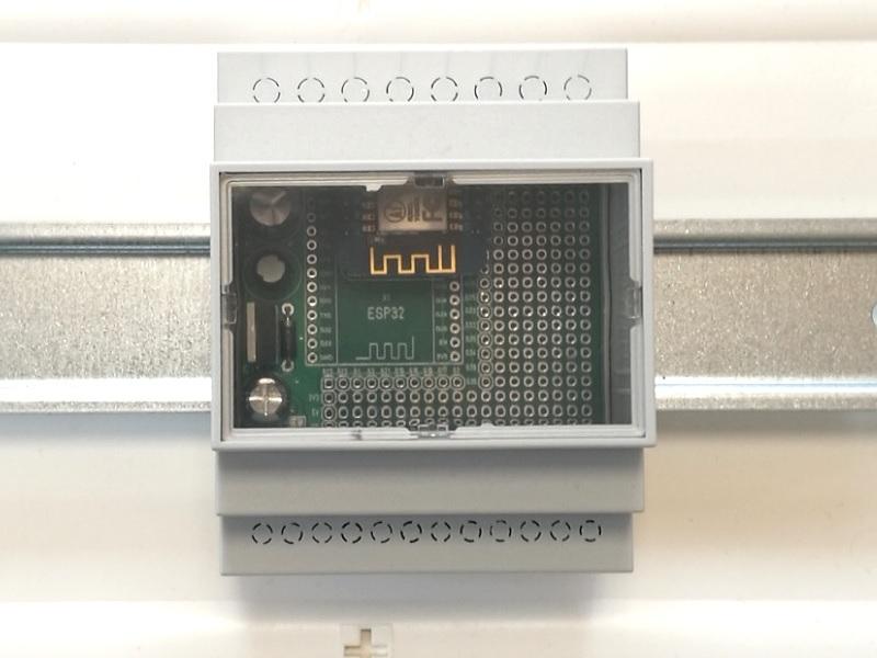ArduiBox ESP montiert auf Hutschiene