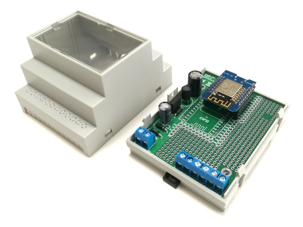 ArduiBox ESP Gehäuse geöffnet mit WEMOS D1 Mini