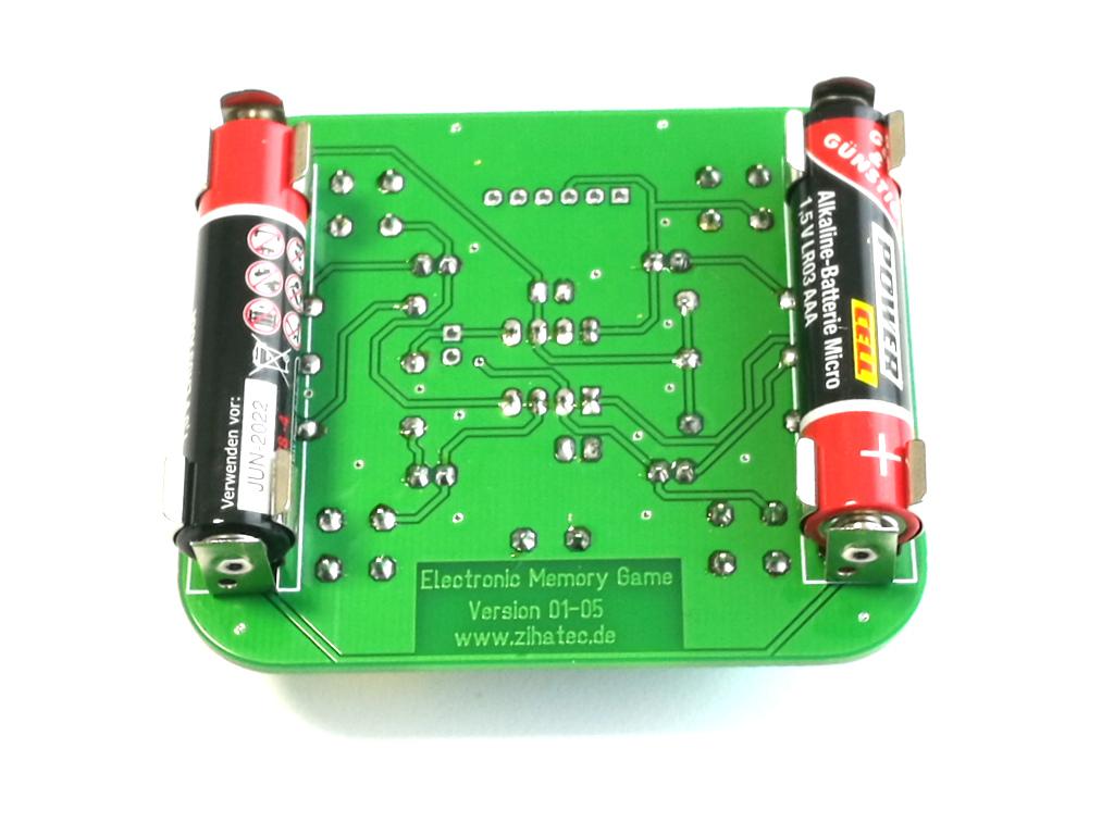 Platinenrückseite mit 2x R3 Batterien (nicht im Lieferumfang)