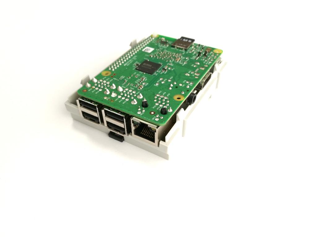 RasPiBox Compact geöffnet Ansicht von vorn