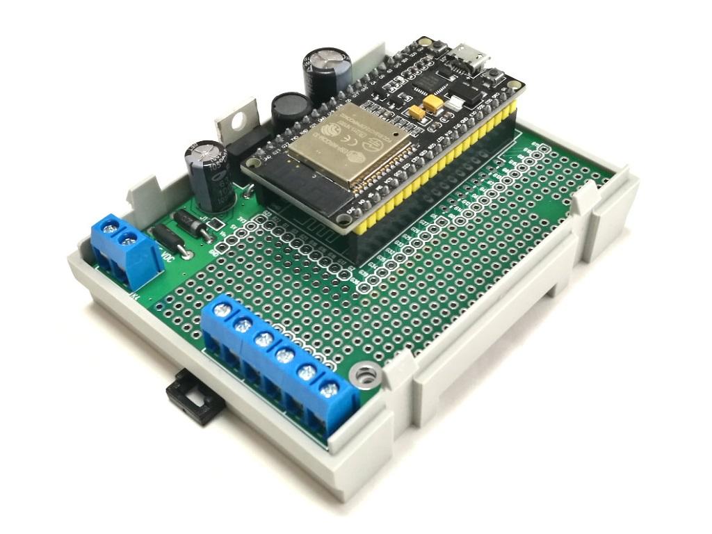 ArduiBox ESP pcb assembled for ESP32 module