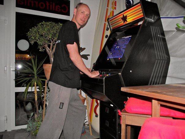 Arcade Cab mit Uzebox Jamma und Pacman