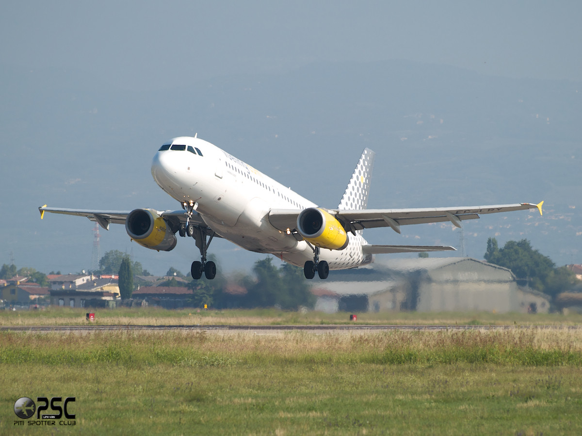 Airbus A320 - MSN 1862 - EC-LRY  Airline Vueling Airlines