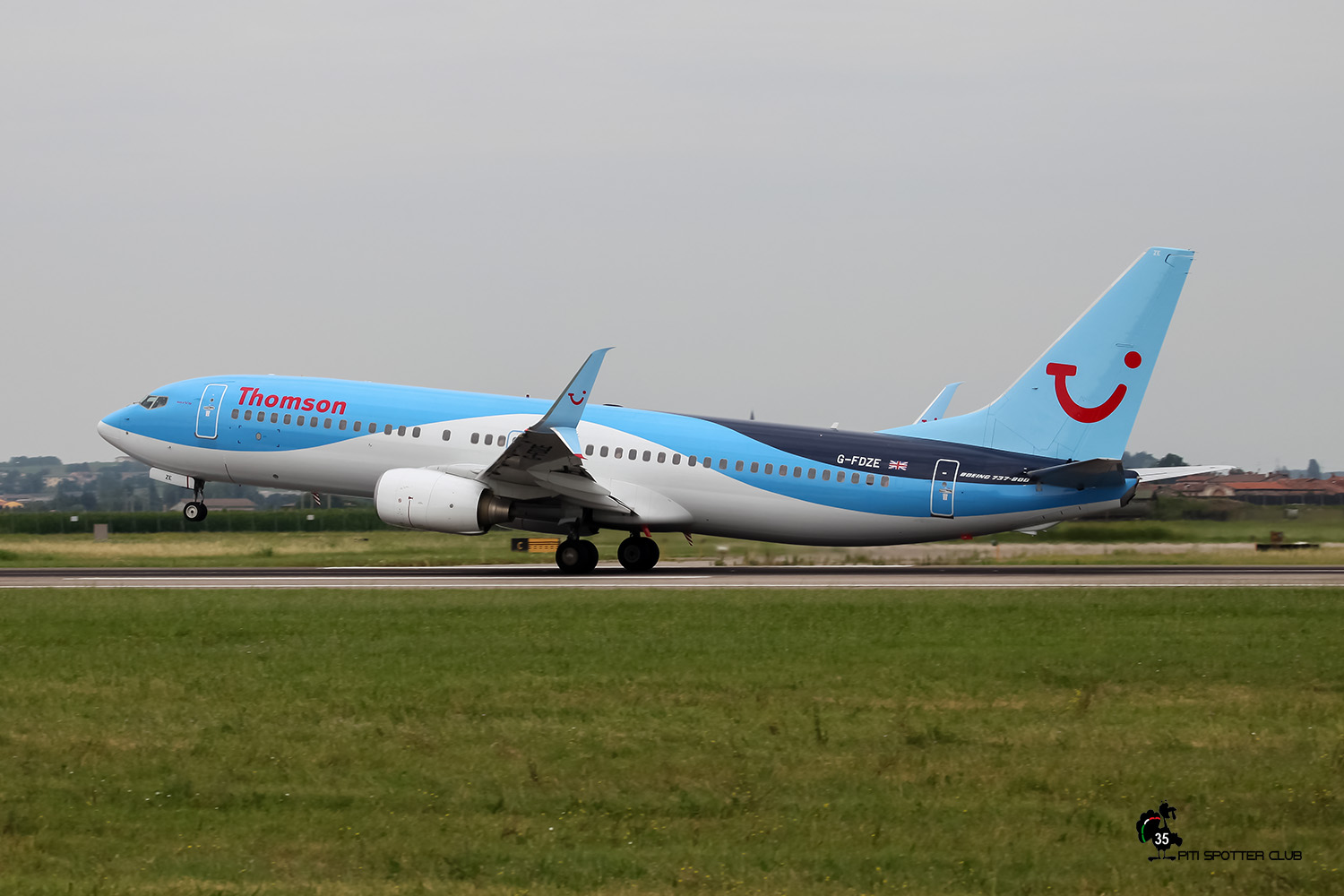 G-FDZE B737-8K5 35137/2482 Thomson Airways