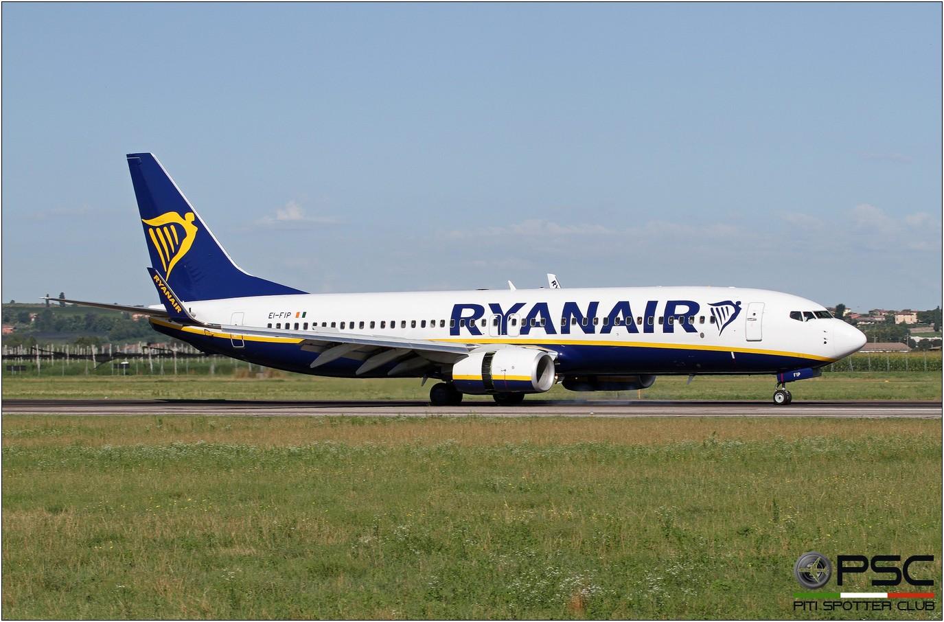 EI-FIP B737-8AS 61577/5474 Ryanair @ Aeroporto di Verona - 11/08/2016 © Piti Spotter Club Verona