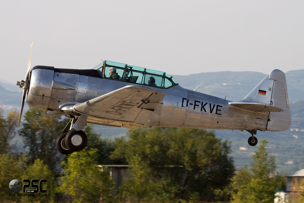 Private  North American AT-6F Texan  D-FKVE (cn 121-43045)