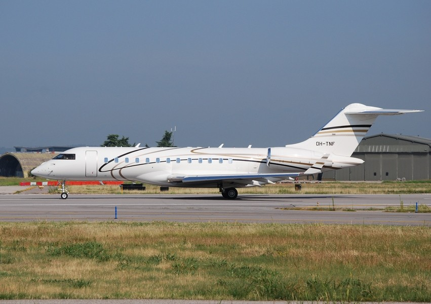 Untitled (Airfix Aviation) - Bombardier BD-700-1A10 Global 6000 - OH-TNF