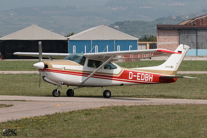D-EDBH Cessna TR182 Turbo Skylane RG @ Aeroporto Verona Boscomantico © Piti Spotter Club Verona
